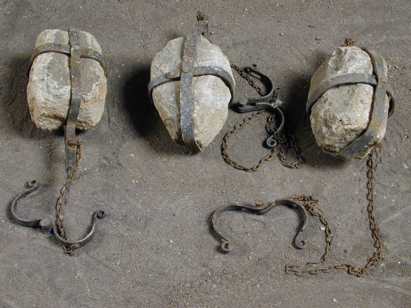 Historical Props Torture Devices Pincers Chains Lies